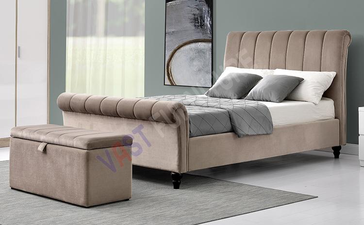 Pisa Bed with Ottoman